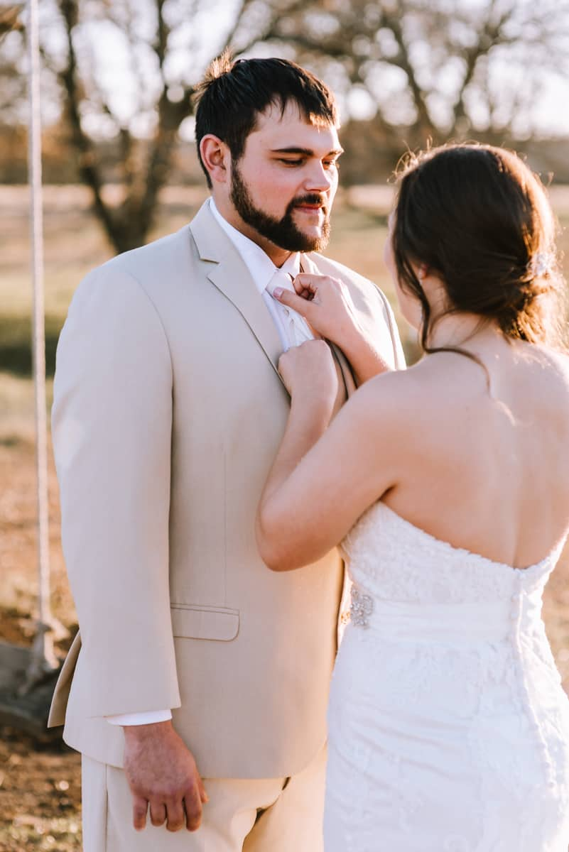 outdoor wedding, first looks, coweta, ricks place, first looks, bridal portraits, tulsa wedding photographers